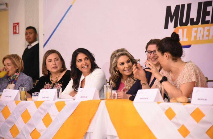 Barrales celebra Día de la Mujer con integrantes de Por México al Frente