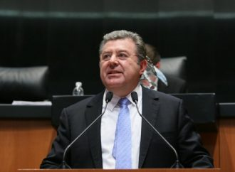 Plantea senador expedir Ley de Libre Comercio e Inversión Extranjera
