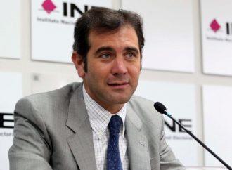 """Pide INE apoyo a banqueros y SAT para fiscalizar campañas en """"tiempo real"""""""