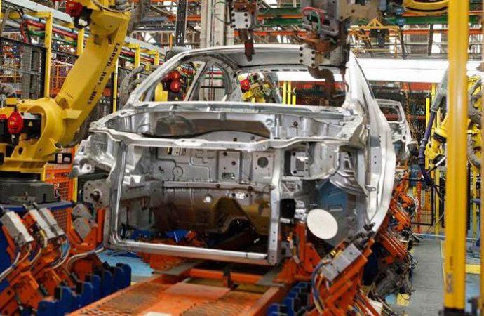 México adelanta a Brasil con cifra récord en producción de autos en 2018