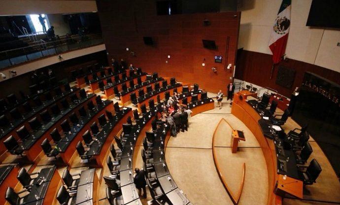 Senadores se aprueban dos puentes vacacionales de 15 días durante marzo y abril