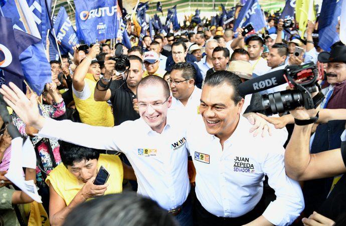 "Al grito de ""¡vamos a ganar!"", reciben en Valle de Chalco a Ricardo Anaya"
