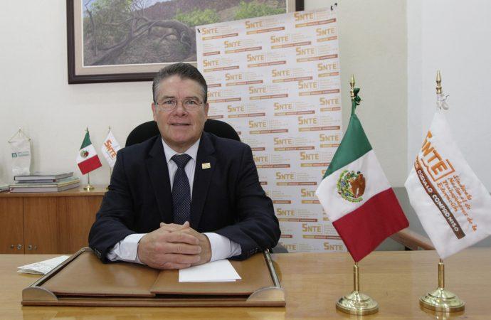 Fortaleza del sistema educativo no se da por decreto: Díaz de la Torre