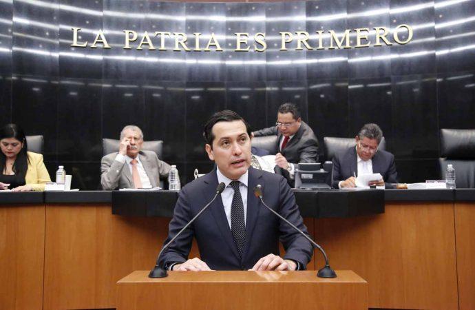 Propone Héctor Flores que Constitución no pueda reformarse en materia de derechos humanos, división de poderes y forma republicana del Estado