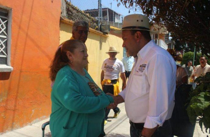 Triplicaremos policías y videocámaras para cuidar las colonias de V. Carranza: Julio César Moreno