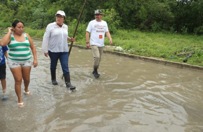 Sistema de drenaje de Playa del Carmen colapsado por lluvias ligeras: Laura Beristain