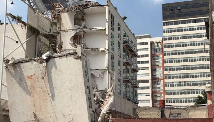 Exige Akabani cárcel a los responsables de autorizar construcción de edificios nuevos en BJ  que se cayeron con el sismo del 19-S