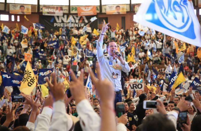 Más de 6 mil personas manifiestan su respaldo a Ricardo Anaya en el Palacio de Arte de Morelia