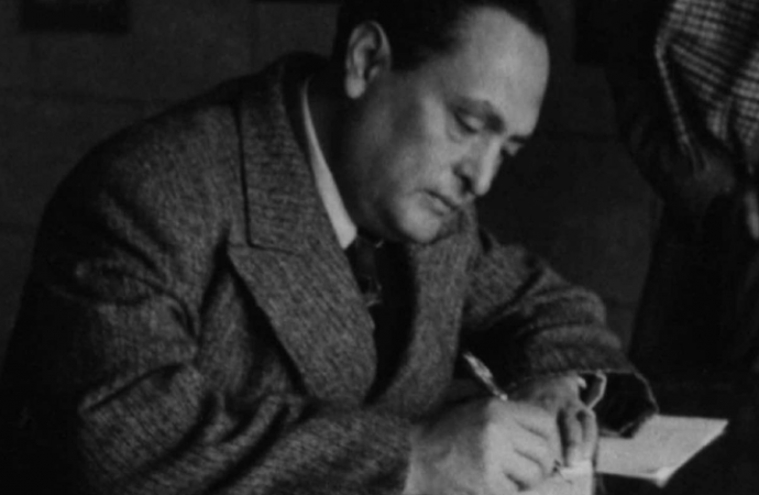 Gilberto Bosques Saldívar, ratificado en cuatro ocasiones como agente diplomático mediante actas secretas por la Comisión de Servicio Consular y Diplomático: CEIGB