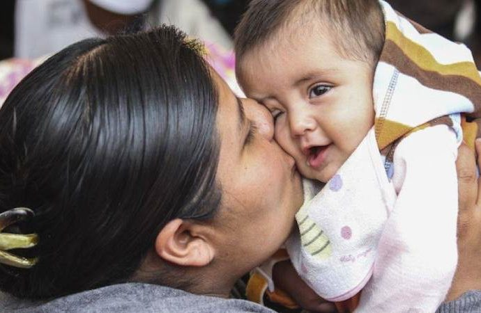 ¿Por qué se festeja a las madres el 10 de mayo?