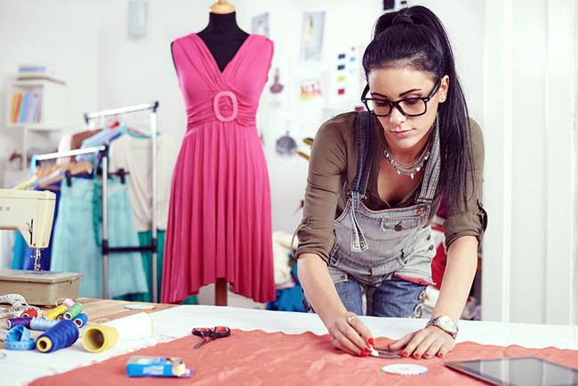 Fortalecer programas que empoderen a las mujeres empresarias