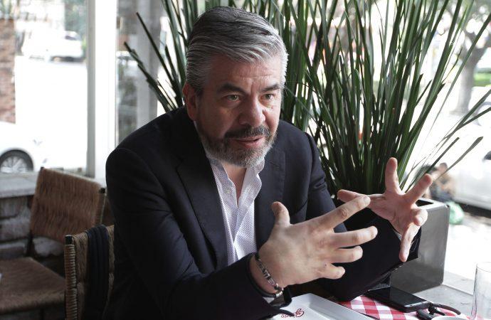 Morena no sólo quiere expropiar empresas, ya se cree facultado para frenar sus actividades: Raúl Flores