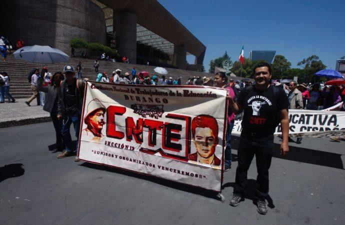 CNTE advierte a AMLO: hay compromisos por el apoyo