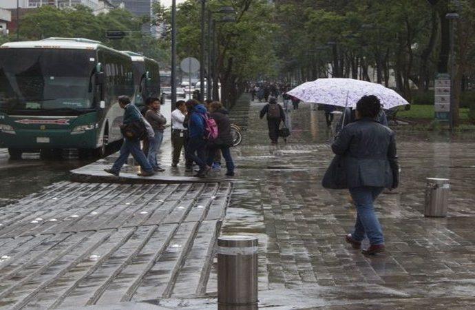 Continúa lluvia ligera en la mayor parte de la Ciudad de México