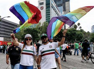 Celebran chilangos diversidad y triunfo de la selección mexicana