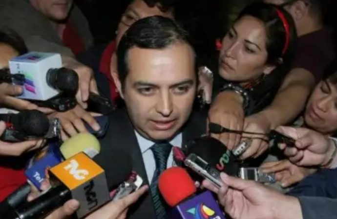 Ernesto Cordero presenta en PGR denuncia contra Ricardo Anaya