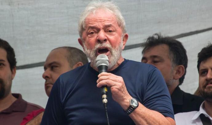 Desde la cárcel, Lula da Silva reafirmó su candidatura para las elecciones de octubre en Brasil