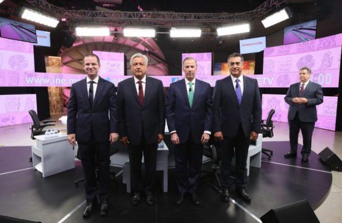 Ataques, descalificaciones y evasivas prevalecen en el Tercer Debate Presidencial
