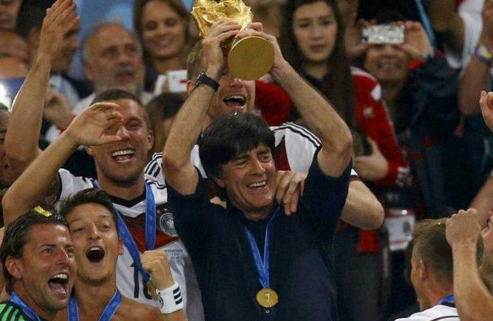 Técnicos que dirigen a la selección de su país han ganado Copa Mundial