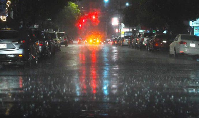 Lluvias podrían continuar todo el fin de semana