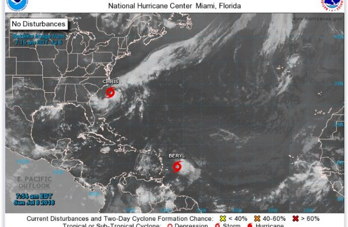 Beryl se debilita, pero el Caribe se prepara para la tormenta Chris