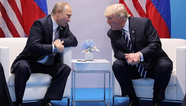 Trump a los pies de Putin