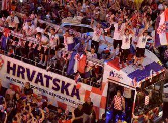 Croacia recibe como héroes a sus jugadores