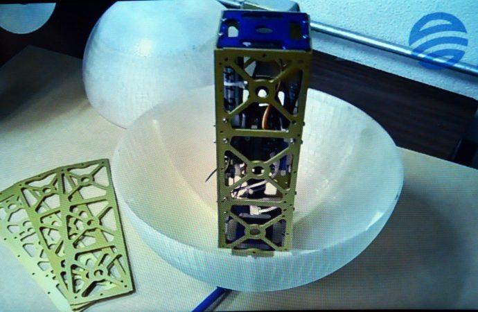 Patenta universitario dos sistemas de simulación satelital y un estabilizador para satélites en órbita