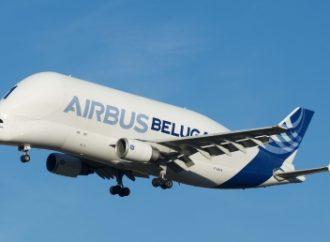 "Super avión ""ballena"" realiza primer vuelo"