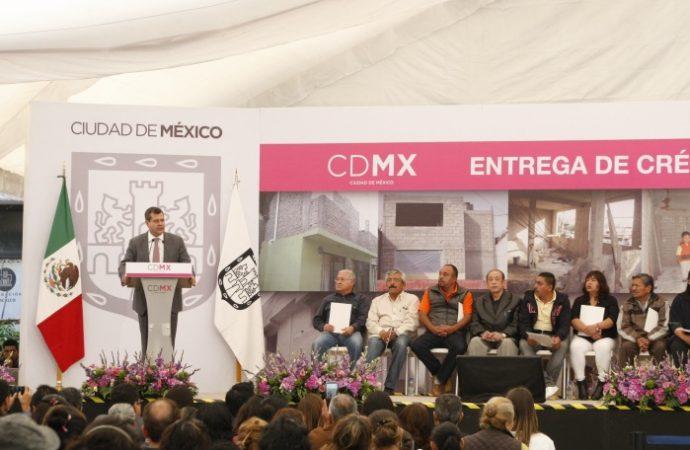 Entrega GCDMX créditos para mejoramiento de vivienda a casi 8 mil personas