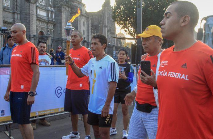 Encienden flama del Maratón en el Zócalo capitalino