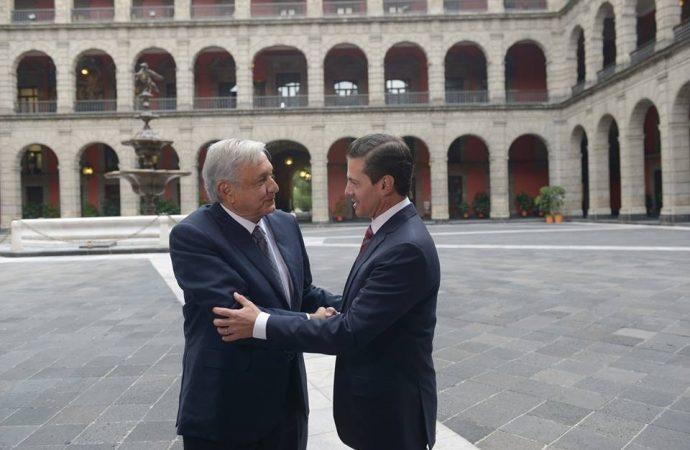 Se reúnen AMLO y EPN; pactan aprobar Fiscales y SSP antes de diciembre