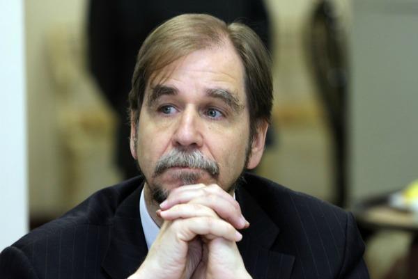 Agustín Basave renuncia al PRD; el partido está sin brújula ética, dice