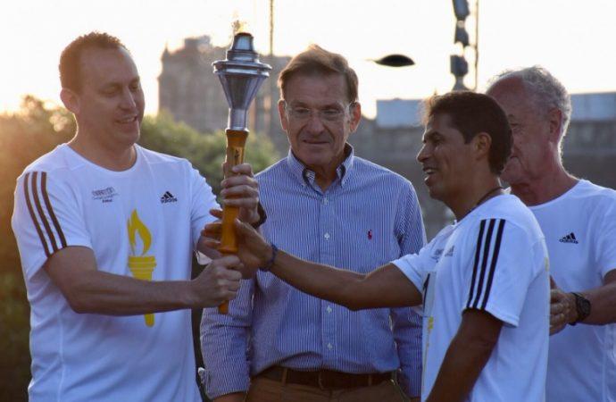 """Recorre """"Flama Maratón"""" ruta del Zócalo capitalino al Estadio Olímpico Universitario"""