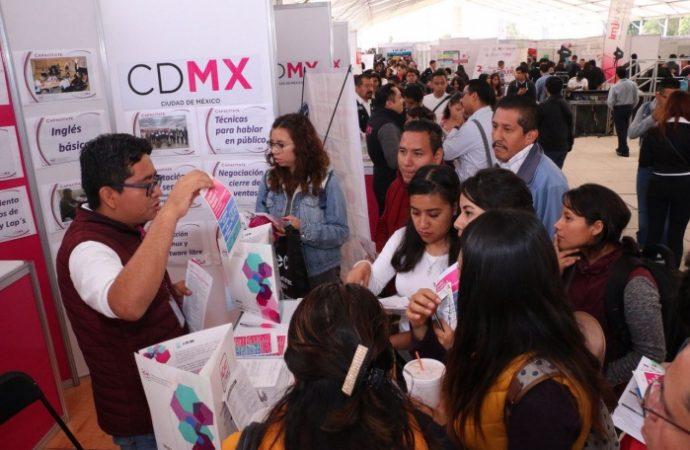 Ofertan mil 600 vacantes para jóvenes en CDMX