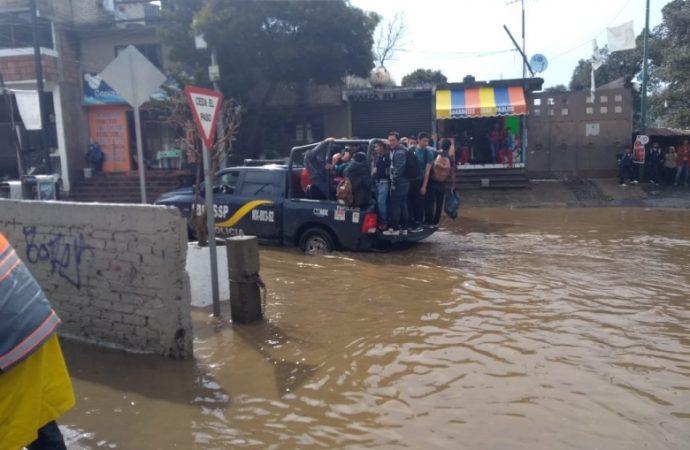 Auxilia SSP-CDMX a población afectada por inundación en San Miguel Topilejo