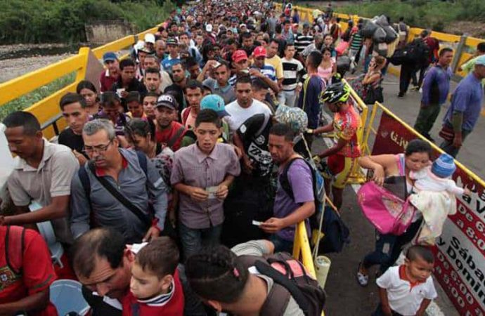 Reportan 600 mil solicitudes de visa o permisos de trabajo a venezolanos