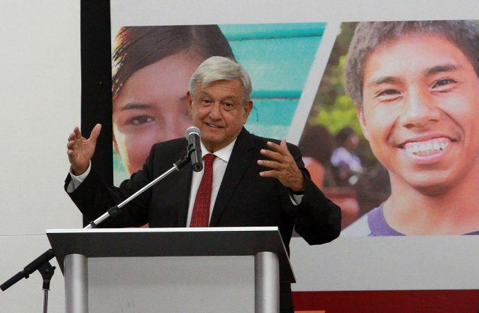 Programa para jóvenes apoyará contra inseguridad: López Obrador