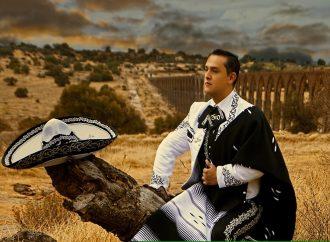 """El tenor Fausto Villagrán canta """"México en el alma"""" en las fiestas patrias"""