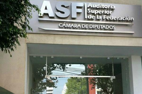 Auditor entrega a diputados informes individuales de Cuenta 2017