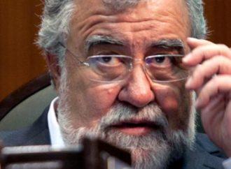 Pide Encinas licencia a Congreso CDMX