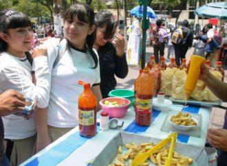 """Cumplir con instalación de bebederos y prohibir venta de comida """"chatarra"""" en escuelas a nivel nacional"""