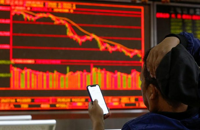 Efecto dominó golpea a las bolsas de Europa tras la caída de Wall Street