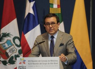 Tema migratorio no debe afectar agenda comercial