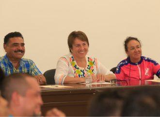 Escucha Laura Beristain a deportistas de Solidaridad
