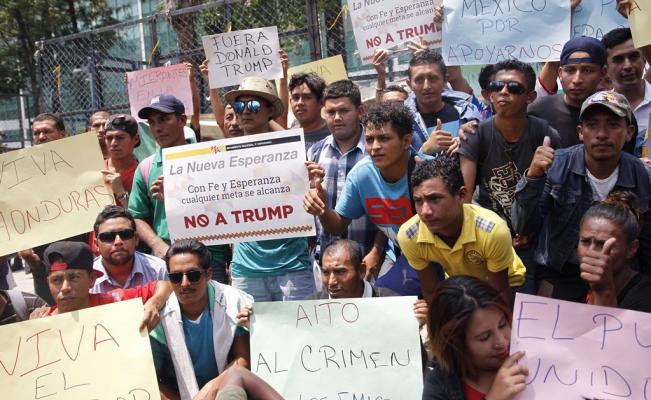 Migrantes esperan respuesta de ONU sobre camiones en las próximas horas