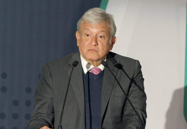 Expertos piden a López Obrador respetar autonomía de Banxico