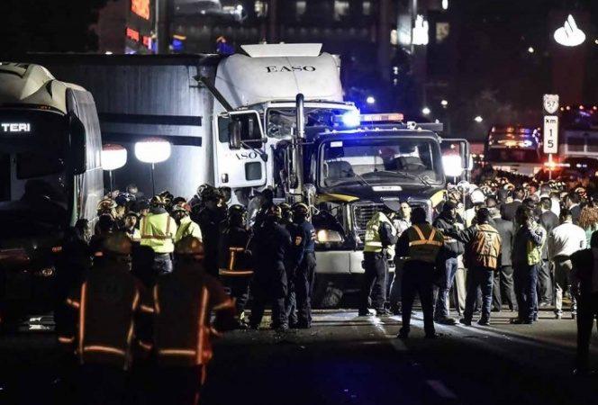 Sube a 10 el número de muertos por accidente en la México-Toluca