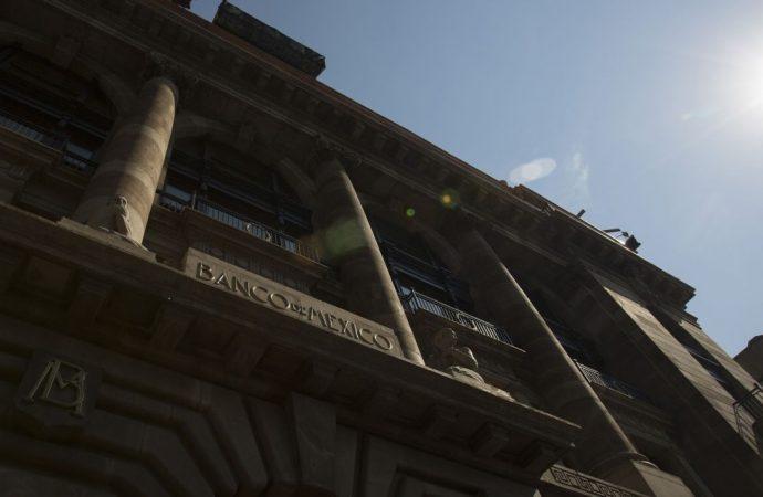 Banxico mantiene 'puerta abierta' a tasas más altas