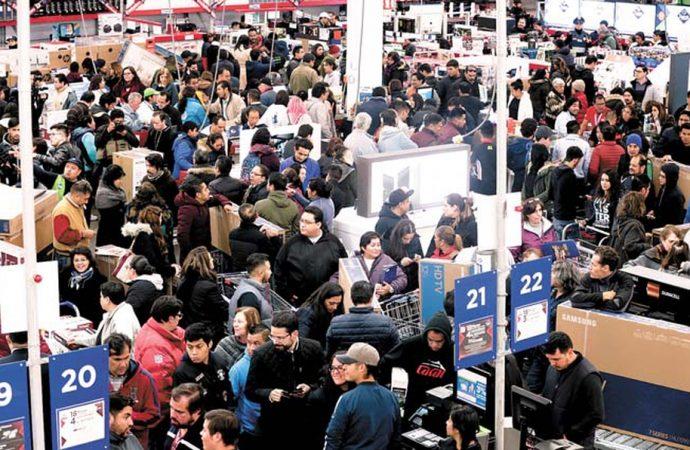 """Las ventas de El Buen Fin y el """"puente"""" vacacional reactivan la actividad económica comercial"""